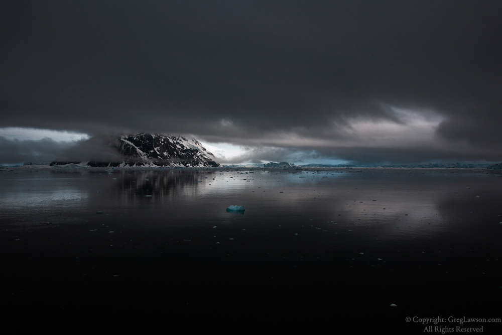 Antarctic weather photography at Greg Lawson Galleries of world imagery